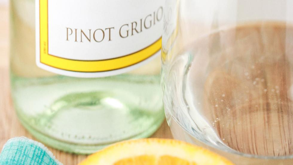 Barefoot Wine Pinot Grigio Chicken with Honey Citrus Glaze