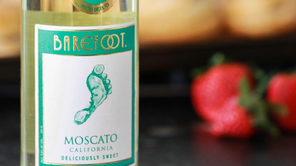 Barefoot Moscato Strawberry Shortcakes